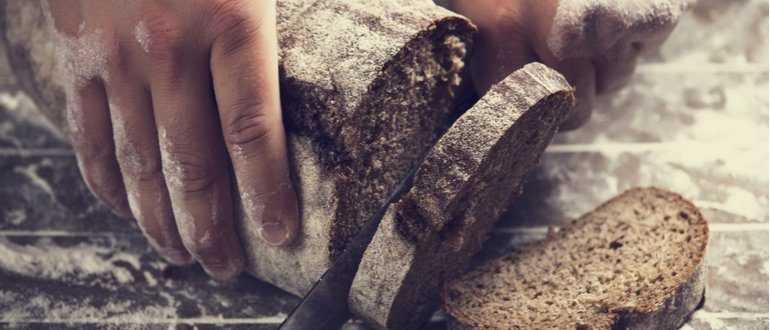 Маска для волос из черного хлеба